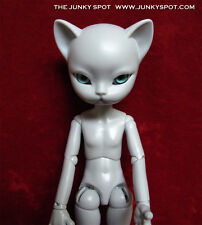 "NEW JunkySpot Hujoo Light Grey "" FREYR ""  23cm ABS Cat Anthro BJD Doll USA"