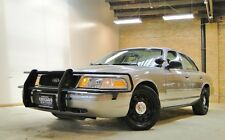 Ford : Crown Victoria 4dr Sdn w/3.