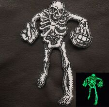 GLOW IN THE DARK WALKING GRENADE THROWING MIDDLE FINGER DEAD ZOMBIE VELCRO PATCH