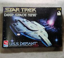 Star Trek AMT/Ertl Deep Space Nine USS Defiant Snap Assembly Model Kit 8255