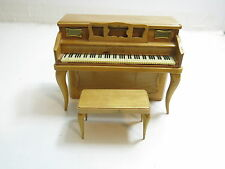VINTAGE 1960'S PIANO LESTER 6 TRANSISTOR BATTERY OPERATED RADIO CIGARETTE HOLDER
