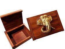 kleine Schatzkiste, massiv Holz, rustikal mit Elefantenkopf in Goldfarbe