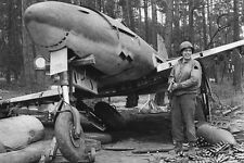 WW2 Photo WWII US Soldier with Abandoned Me262 Messerschmidt Fighter / 1237
