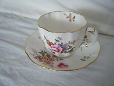 C4 Porcelana Royal Crown Derby Posies Copa Y PLATILLO 14x7.5cm 1A4B