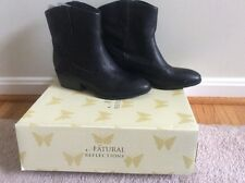 New in Box Women's Natural Reflections Sonya Black Boot 9.5