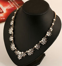 Hot Arrival Fashion Retro Pearl Crystal Flower Petal Simple Statement Necklace