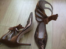 BODEN PERFECT GOLD SPARKLE HEELED PARTY SHOES SIZE 40==6.5
