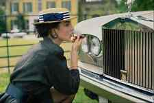 749050 Lady Using Grill Of Rolls Royce As Mirror A1 Photo Print