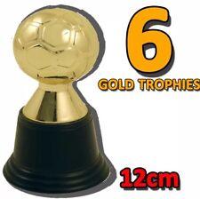 6x MINI CALCIO color oro plastica TROPHY Giochi Divertenti Novità UK Venditore