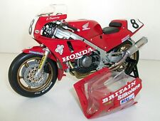UNIVERSAL HOBBIES 1/12 - UH4822 HONDA RC30 RVF 750R CARL FOGARTY IOM
