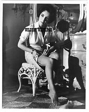 Sexy ELIZABETH TAYLOR nylons legs PHOTO Vintage Original CAT ON A HOT TIN ROOF