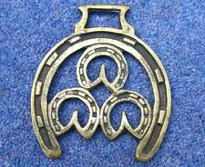 VINTAGE HORSE BRASS – THREE HORSESHOES IN A LARGE HORSESHOE (1)