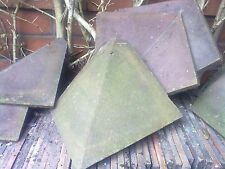 BONNET ROOF CLAY HIP TILES (19) + APPROXIMATELY 200 ACME/STAFFS RED CLAY TILES