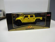 HUMMER H1 SOFT TOP PREMIERE EDITION 1:18 SCALE DIECAST TRUCK BY MAISTO NIB