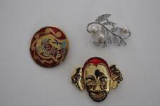 bijoux / lot de 3 broche divers (  clown ect ) ref lot 4
