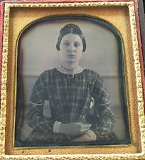 PRIMITIVE AMATEUR PHOTOGRAPHER WOMAN PRETTY 1/6 CASE DAGUERREOTYPE PHOTO D177