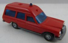 Wiking Mercedes 200 Feuerwehr 1:87 H0