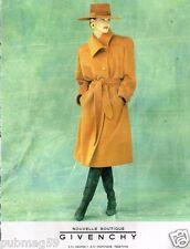Publicité advertising 1990 Haute Couture femme manteau Givenchy