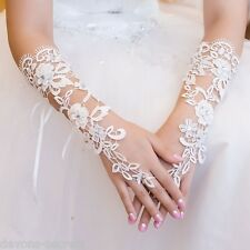 Ladies white lace diamante fingerless hand short wrist bridal wedding gloves WG4