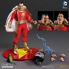 DC Comics One:12 Collective Shazam Action Figure Mezco Toyz In Hand