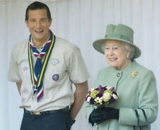 Bear Grylls UNSIGNED photo - 3056 - The Chief Scout with Her Majesty The Queen