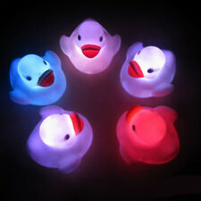 BUAU 1X Baby Kids Toy Multi Farbwechsel blinkende LED-Lampen-Ente Brand New