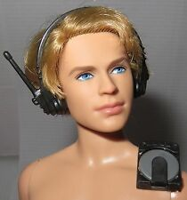 HEADSET CD WALKMAN ONLY ~ HASBRO CLUB S 7 FASHION DOLL ACCESSORY FOR DIORAMA