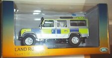 UNIVERSAL HOBBIES LAND ROVER DEFENDER 110 UK POLICE STATION WAGON 1:18 SCALE CAR