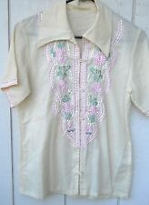 VINTAGE WOMEN'S 70'S SHORT SLEEVE EMBROIDERED BUTTON TOP SIZE SMALL
