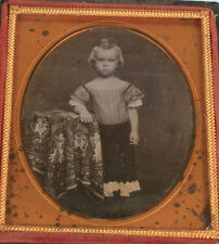 DAGUERREOTYPE YOUNG CHILD STANDING POSE. CUPIE DOLL CURL, POUTY FACE. EARLY DAG.