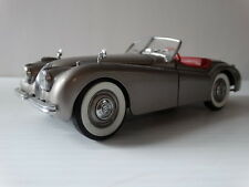 Danbury Mint 1949 Jaguar XK120 Roadster 1:24 Scale Die Cast Metal Model '49 Car