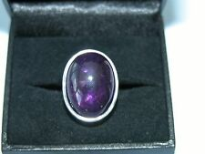 LOT 411 STUNNING LARGE OVAL AMETHYST SOLID STERLING SILVER RING - SIZE J