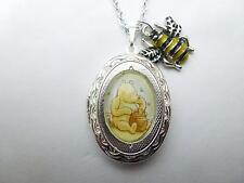 Winnie Pooh Honey Pot Medallón & Honey Bee de plata encanto Collar/Colgante Pooh Bear