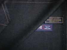 100% PURE NEW WOOL WORSTED SUITING FABRIC MADE IN ENGLAND – 3.4 m.