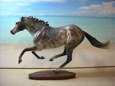 Breyer Modellpferd Traditional Smarty Jones Mold CM Schimmel Montecello Studio