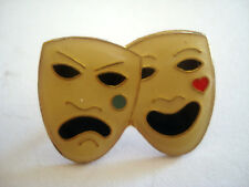 PINS RARE MASQUE CARNAVAL MASK