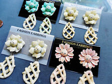 Vintage lot new old stock 4 prs neat funky flower 50s earrings pastels NOS AT6