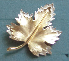 """Maple Leaf Pin Brooch """"NATURE'S CHOICE""""  Sarah Coventry Jewelry - Vtg"""