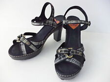 ROCKET DOG BLACK & WHITE PLAID ANKLE STRAP PLATFORM HIGH HEEL SANDAL SHOE SZ 8M