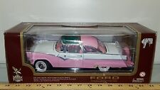 1/18 YATMING/ROAD LEGENDS 1955 FORD CROWN VICTORIA HARD TOP PINK & WHITE yd