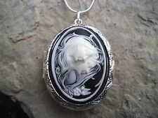 (LOCKET)- SISTERS - MOTHER/DAUGHTER - FRIENDS - GENERATIONS CAMEO LOCKET!!  GIFT