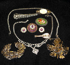 VINTAGE JEWELRY MIX LOT. MANY ITEMS SIGNED.