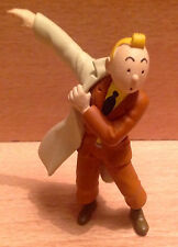 FIGURINE MOULINSART TINTIN KUIFJE HERGE 2011 TINTIN COURANT AVEC SON PARDESSUS