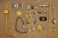 Very Nice Vintage Pin, Brooche, Necklace, Pendant and Ring Mix Jewelry Lot