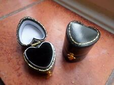 NEW VINTAGE STYLE JEWELLERY BOX. JEWELRY CASE. JEWELLERS HEART SHAPED RING BOX