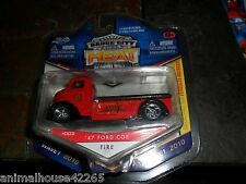 BADGE CITY HEAT JADA TOYS 1/64 1947 FORD COE FIRE TRUCK WAVE 1 2010 DIECAST