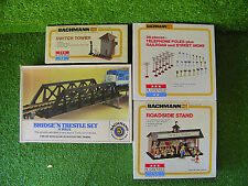 BACHMANN HO SCALE LOT (4) TRESEL SET SWITCH TOWER ROADSIDE STAND - EXCELLENT