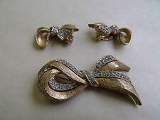VINTAGE 'PANETTA' GOLD / SILVER RHINESTONE BROOCH & CLIP EARRING SET C1940/50'S