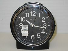 SEIKO BEDSIDE ALARM CLOCK BLACK TONE METALLIC-LIKE CASE W/ QUIET SWEEP QHE117KLH
