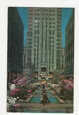 USA, New York City, Rockerfeller Center Channel Gardens 1962 Postcard, A807